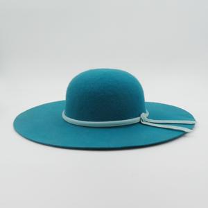 capeline feutre turquoise